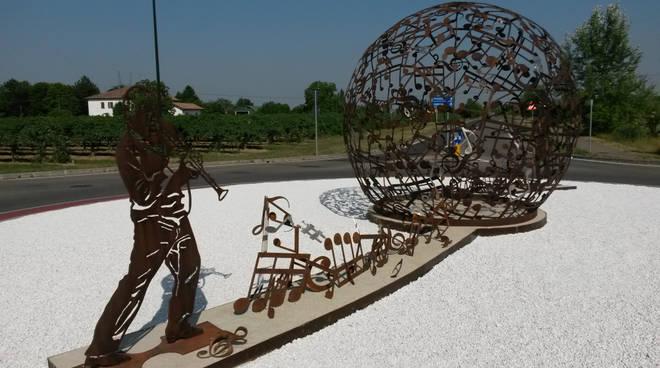 Monumento a Henghel Gualdi