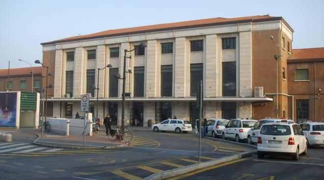 Piazzale Marconi e la stazione di Reggio