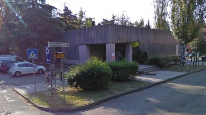 Ufficio Retro Verso : Novellara rapina all ufficio postale reggiosera