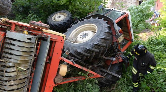 Incidente con un trattore, muore donna di 26 anni