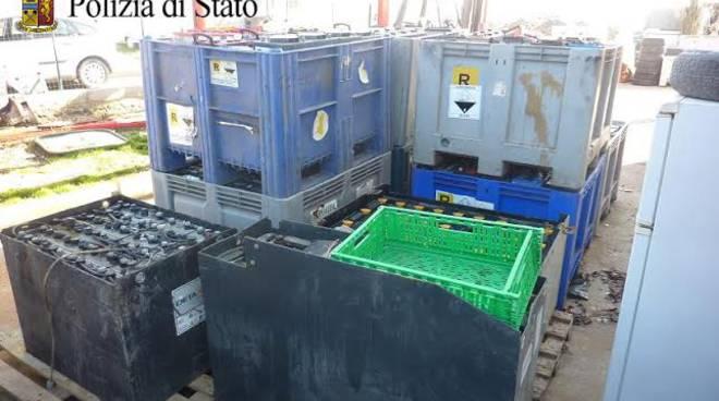 Correggio sequestrate 400 batterie in un campo nomadi for Questura di reggio emilia permessi di soggiorno