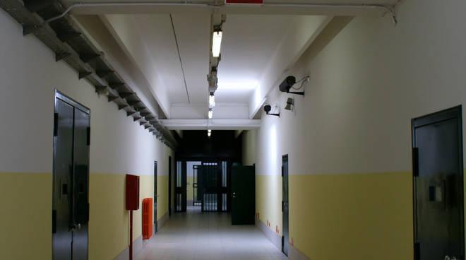 Ufficio Casa Di Reggio Emilia : Tentò rapina a ufficio postale la vecchia ora è in carcere