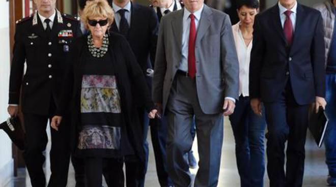Il procuratore aggiunto Ilda Boccassini con i suoi collaboratori