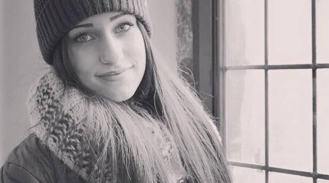 Guastalla, auto fuori strada: muore 17enne, grave una ragazza