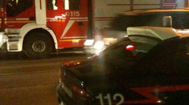 Incendio in appartamento a Reggio Emilia, evacuato condominio