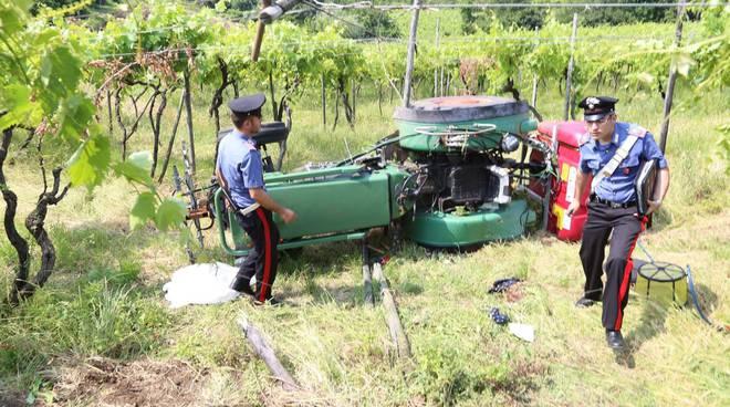 Schiacciato dal trattore guidato dal padre, muore bimbo di otto anni