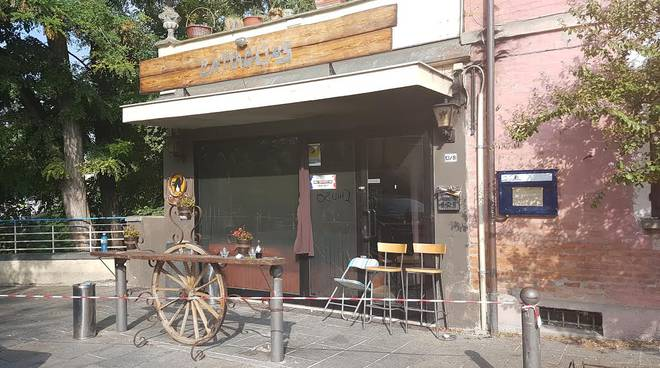 Incendia pub dove era stato impiegato