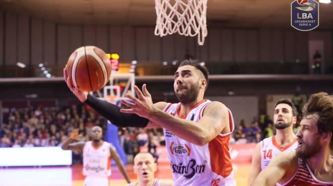 Basket: Reggio-Pesaro