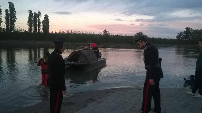 Donna scompare, dramma in riva al fiume Po