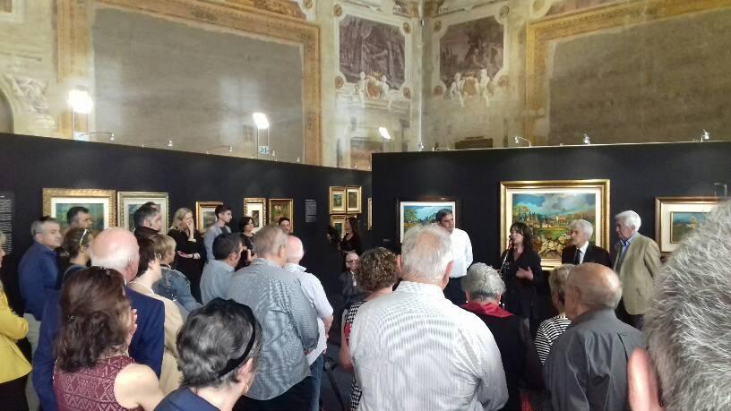 Visitatori alla mostra su Ligabue e Zavattini