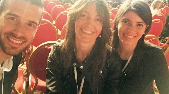 Ottavia Soncini (a destra) insieme a Tommaso Bertolini e Elena Ferrari all'assemblea nazionale