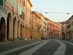 Corso Mazzini, in centro a Correggio
