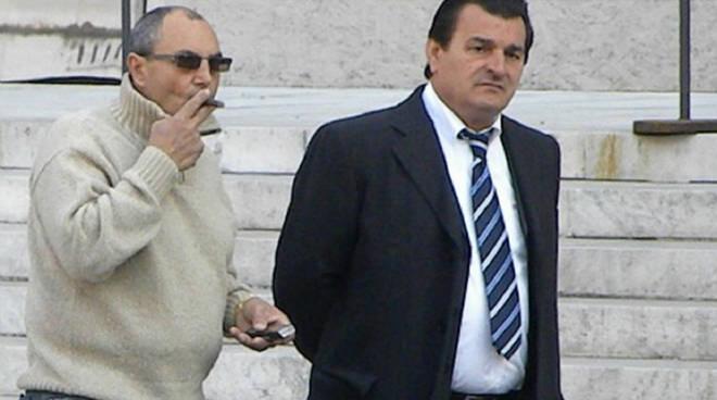 Il boss cutrese Nicolino Grande Aracri (a destra)