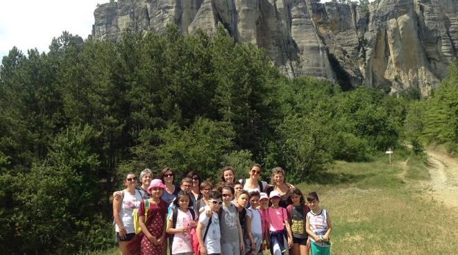 Il team della Diabetologia pediatrica con i ragazzi a Castelnovo Monti