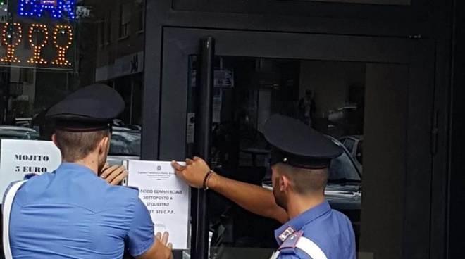 I carabinieri mettono sotto sequestro il locale