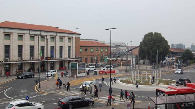 La stazione ferroviaria storica in piazzale Marconi