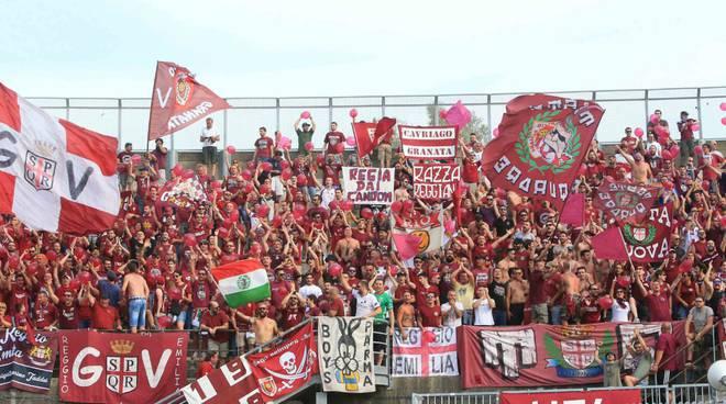 Una bella immagine dei tifosi della Reggiana calcio