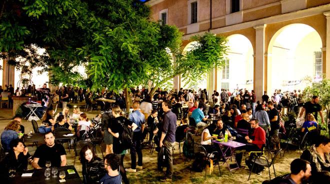 Birra a fiumi, torna l'Arrogant Sour Festival - reggiosera.it