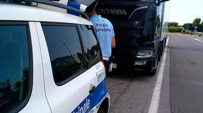 Controlli stradali della Polizia Municipale