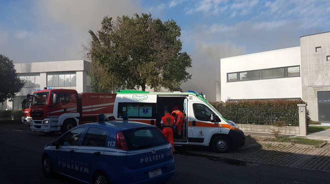 Incendio via Monti Urali