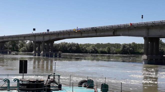 Il ponte tra Boretto e Viadana